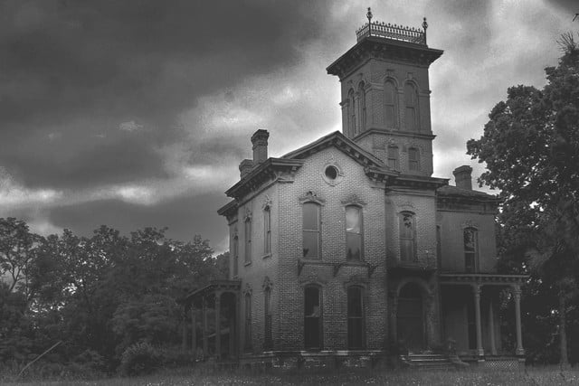 haunted houses places in america sauer castle 009