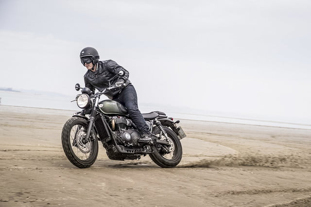 best motorcycles for beginners scrambler triumphmy17