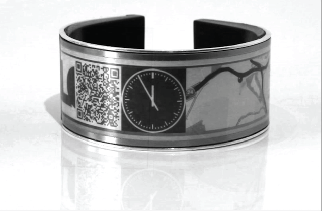 e ink wearable eyecatcher launches kickstarter campaign screen shot 2015 10 06 at 11 22 16 pm