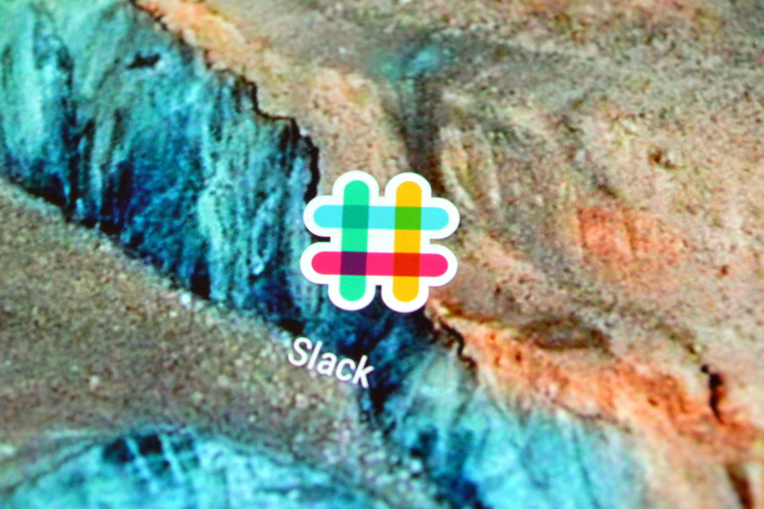 Image result for Slack starts testing dark mode on iOS and Android: Here's how to try it