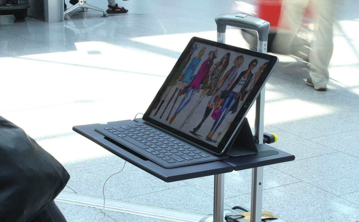 Smartoo Lets Travelers Turn Their Suitcase Into A Desk For Laptop Digital Trends