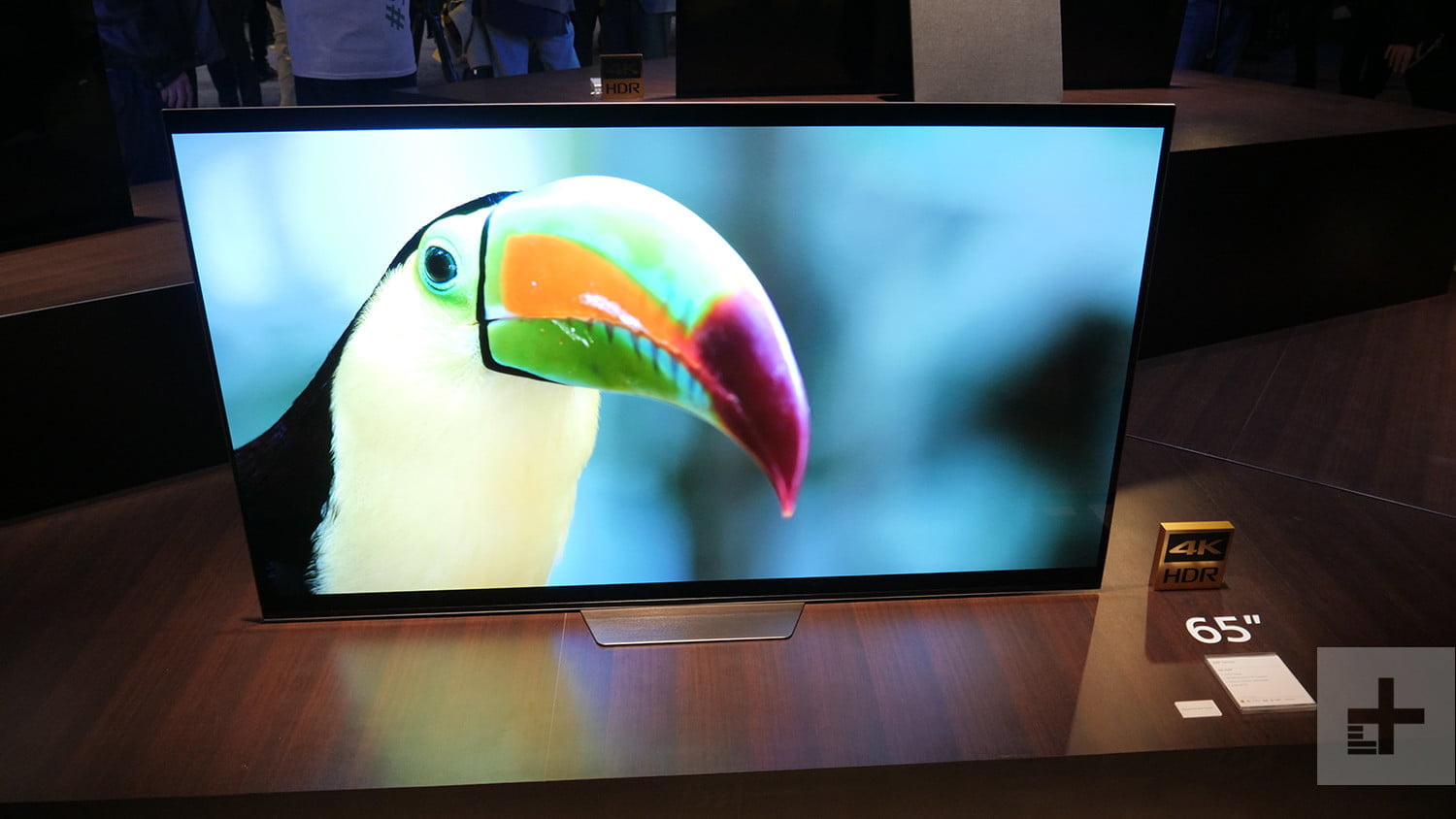 sony 85 inch 8k hdr tv 10000 nit a8f oled hands on series ces 2018 4