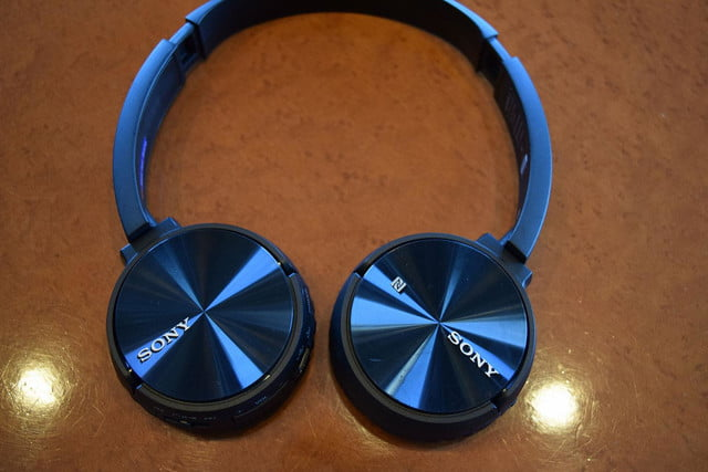 Sony MDR ZX330BT hands on 2