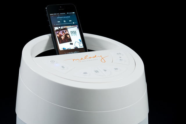 soundcast melody top iphone docked