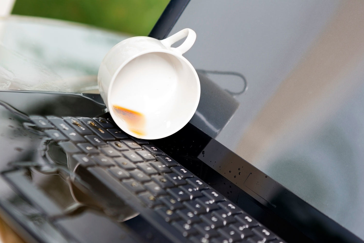 How to Save a Laptop from Liquid Damage How to Save a Laptop from Liquid Damage new photo