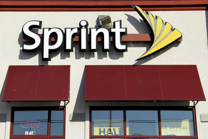 Sprint officially kills two-year contracts, no one mourns