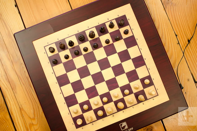 Square Off Chess Board Uses AI To Move Pieces By Itself | Digital Trends