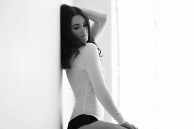 7 pro tips on setting up a successful boudoir photo shoot at home 8d9a2ca24