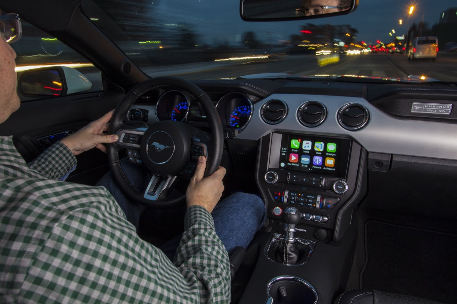 Connectivity features include apple carplay and android auto - The Notable Exception Is Toyota Which Continues To Resist Carplay And Google S Rival Software Android Auto Due To Safety And Privacy Concerns