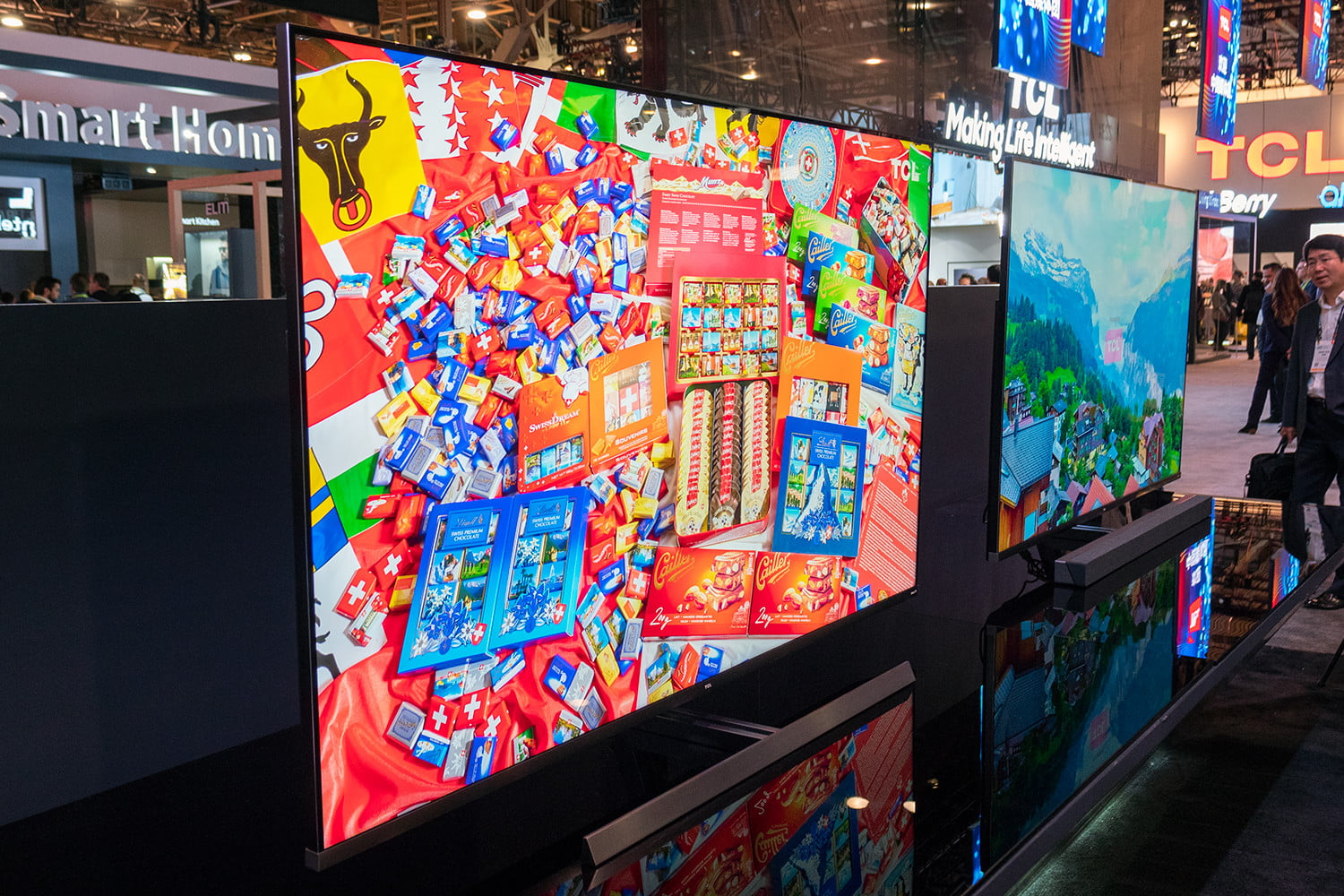 TCL Brings a 75-inch 8K QLED Roku TV to CES 2019 | Digital Trends