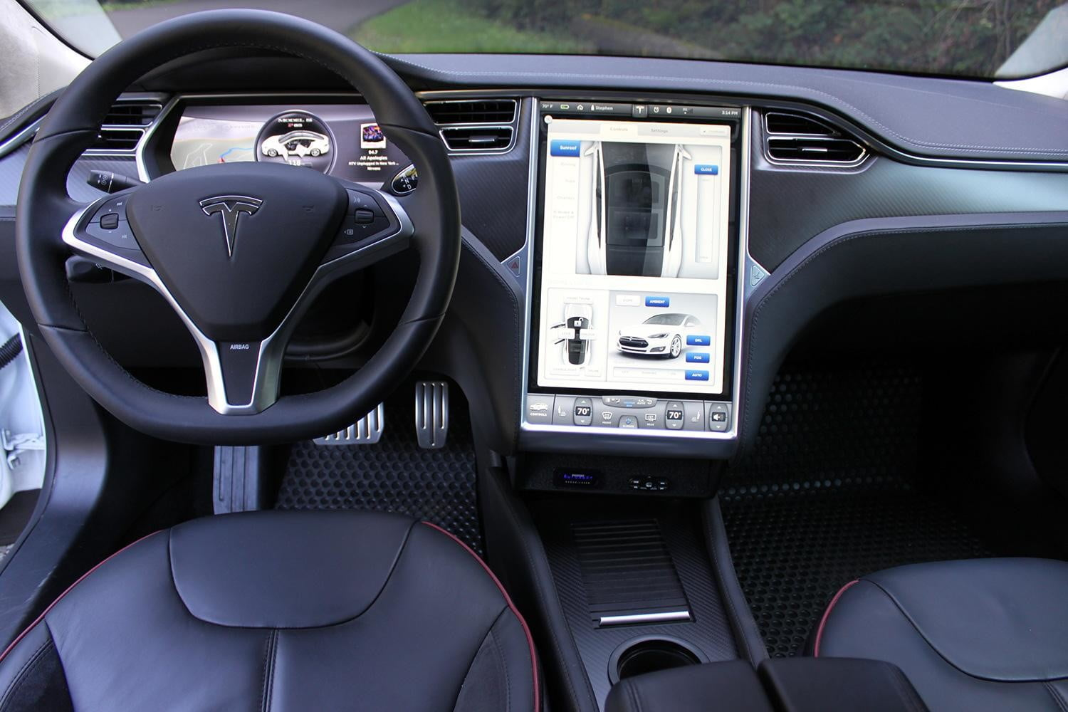 Tesla Is Rolling Out A Premium Connectivity Package For In Car Internet Digital Trends