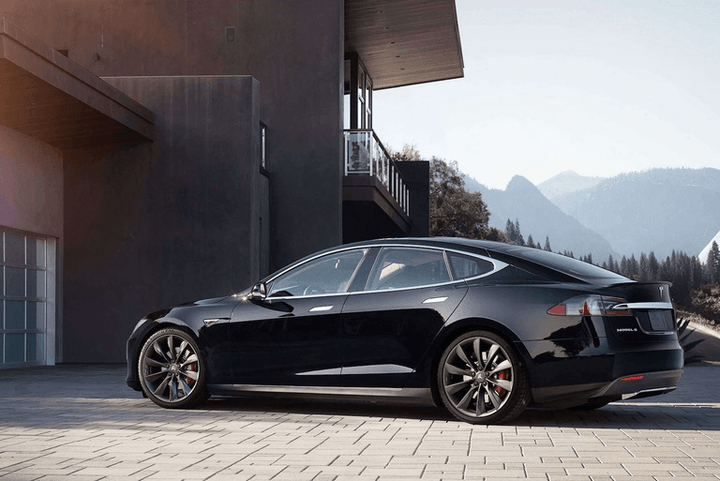 Elon Musk Claims A Tesla With A Mile Range Will Be Available - A tesla