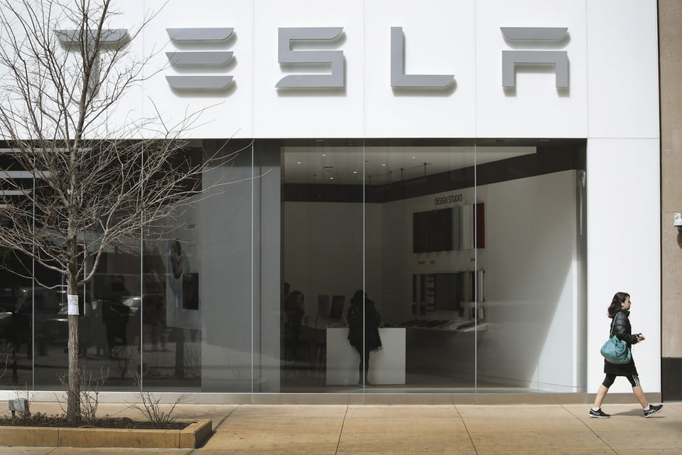 road rave subscription direct sales threaten traditional car dealers tesla  recalls over 100 000 model s vehicles