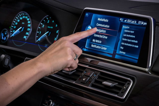 new bmw idrive features touchscreen and gesture recognition the next generation of 10