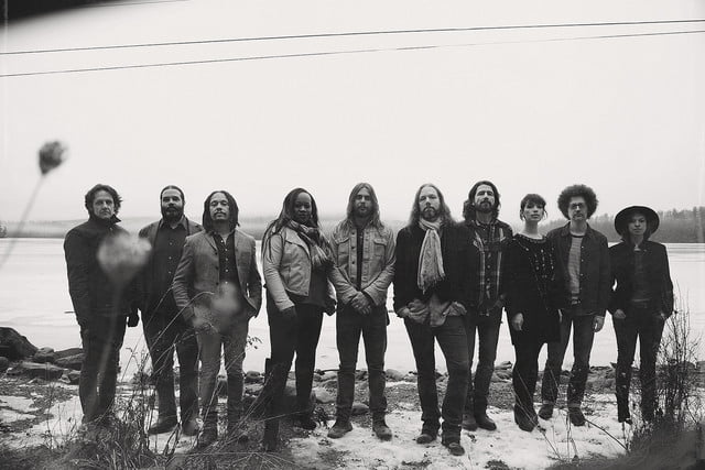 audiophile magpie salute rich robinson the  2017 b w band shot