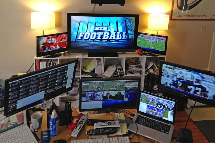 Deadspin Reveals The Secret Behind Their Super Awesome Sports Gifs Tim  Burke Computer Setup Via Gizmodo