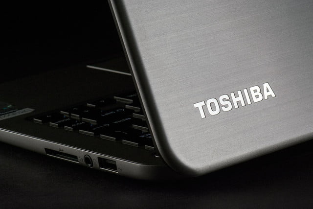Toshiba Kirabook 2014 review rear lid