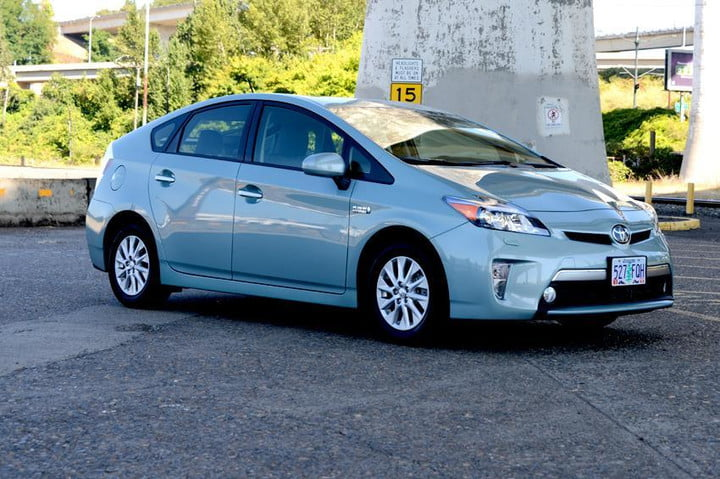 Dont Diss The Prius Ultimate Hybrid Car Is Set For An Update And 55mpg Toyota Plugin