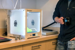 Unrivaled and unaffordable, Ultimaker 3 is the Bentley of 3D printers
