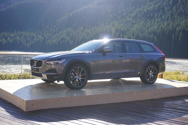 volvo v90 cross country news specs pictures 01