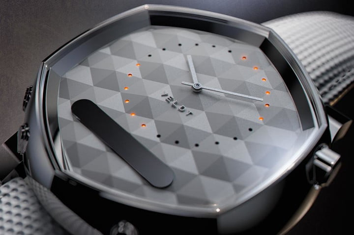 Funky Veldt Serendipity smartwatch emphasizes the watch rather than the smarts