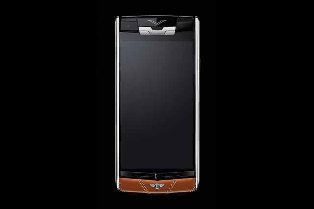 Vertu Signature Touch for Bentley hands on