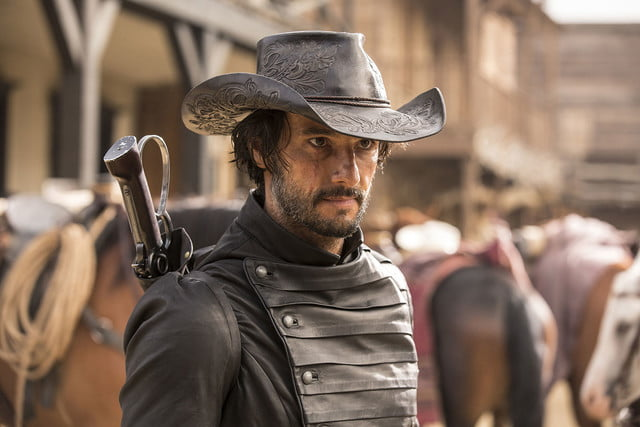 interview westworld star clifton collins jr on vr sci fi westerns 006