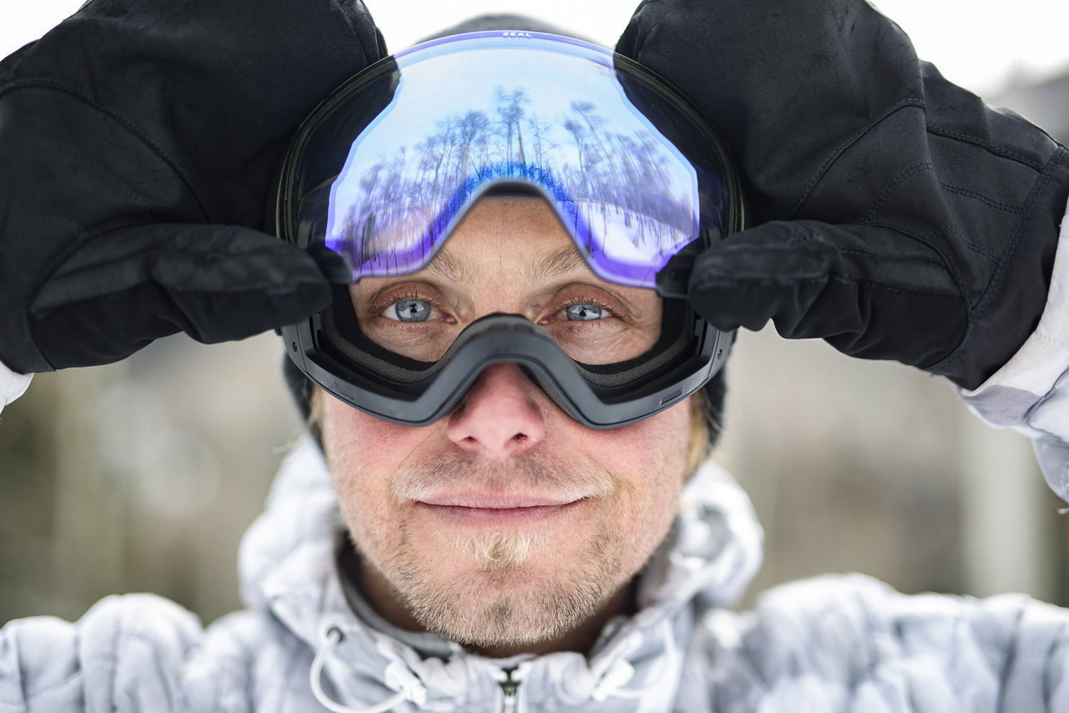 e6e606790064 The 10 Best Ski Goggles to Keep You Seeing Clearly on the Hill ...